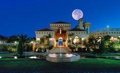 Often referred to as the most luxurious Villa on Spain's Costa del Sol, Villa…