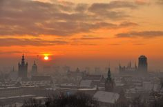 Wsch& s& w Gda& / Sunrise in Gdansk Danzig, Skier, Visit Poland, Best Cities, Sunsets, Places To See, Lightning, Sunrise, Travel Photography