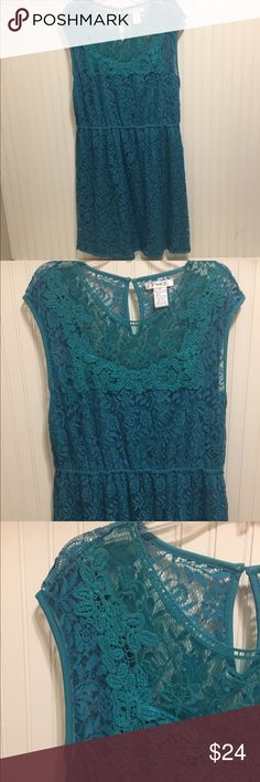 NWOT Gorgeous lace overlay crochet trim dress NWOT Gorgeous lace overlay crochet trim dress Dresses Midi