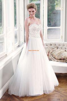 Chic & Modern Bärlbroderi Naturlig Lyx Bröllopsklänningar