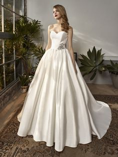 How To Dress For A Wedding, Perfect Wedding Dress, Affordable Wedding Dresses, Bridal Wedding Dresses, Beautiful Wedding Gowns, Beautiful Dresses, Bridal Wardrobe, Wedding Dress Pictures, Sophisticated Bride
