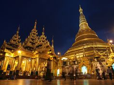 Shwedagon Paya by Julian Kaesler, via Flickr