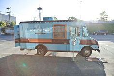 Hire a food truck to invade your reception with deliciousness | Offbeat Bride