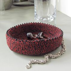 Cotton jewelry dish, Red-black dish for jewelry, Unisex crochet gift Jewelry Dish, Jewelry Shop, Gifts For Father, Mother Gifts, Cotton Gifts, Crochet Gifts, Unisex Gifts, Crochet Decoration, Crochet Wedding