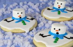Melting snowman cookies - such a cute idea! #holiday #recipes #kids #fun #snowman