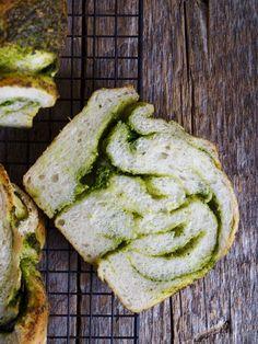 Flettebrød med pesto - Mat På Bordet Pesto, Bread N Butter, Avocado Toast, Baking, Breakfast, Morning Coffee, Patisserie, Bread, Bakken