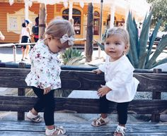 New Baby Girl Twins Photos Sweets Ideas Twin Outfits, Girl Outfits, Cute Outfits, Twin Girls, Twin Babies, Baby Twins, Twin Sisters, Funny Babies, Cute Babies