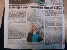 Samen met ambasadeur op de foto voor krantenbericht