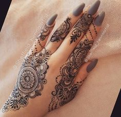 Elegant Mehandi Designs That You Love to Copy – Mehandi Designs 2019 Henna Tattoo Designs, Henna Tattoos, Mehndi Designs Finger, Henna Hand Designs, Henna Tattoo Hand, Bridal Henna Designs, Mehndi Designs For Fingers, Beautiful Henna Designs, Latest Mehndi Designs