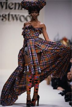 Naomi Campbell, Vivienne Westwood, Paris Fashion Week 1994