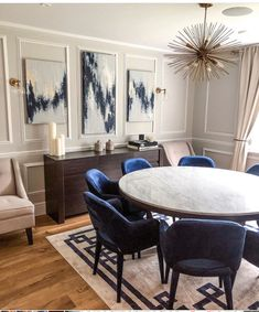 FIRST REVEAL Merry Christmas from our finished dining room. I had so many moment… – Dining Room Decoration Inspiration, Dining Room Inspiration, Design Inspiration, Furniture Inspiration, Decor Ideas, Dining Room Centerpiece, Centerpiece Ideas, Wedding Centerpieces, Wedding Bouquets