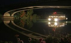 Cruise aboard Champagne Vallée boat to enjoy landscapes of the Marne Valley, day and night !