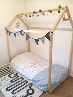 { DIY } Un lit maison pour mon enfant - MumPasCap !