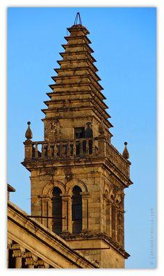 """""""Torre de la vela"""" construida por el arquitecto Jácome Fernández a principios del siglo XVII.  Santiago de Compostela, Catedral."""