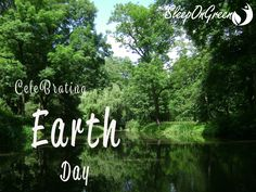 "Happy Earth Day! From Sleep On Green. With our all natural Biodegradable products we celebrate earth day every day!  #earth #ecofriendly #biodegradable #recycle #sleepongreen #sleepwelllivebetter #takecareofnature #motherearth #cleanup #natural #healthyliving #loveyourmattress  http://www.freepik.com/…/cute-woman-holding-the-planet-eart…"" Designed by Freepik"