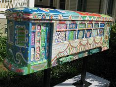 New Orleans Street Car Art - I love seeing these around the city (we had one at my university!) but this one is the prettiest