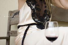 Vestido satén con encaje antiguo