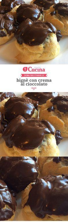 bignè con crema al cioccolato Eclair, Biscotti, Mini Desserts, Finger Foods, Nutella, Sweet Recipes, Muffin, Sweet Tooth, French Toast