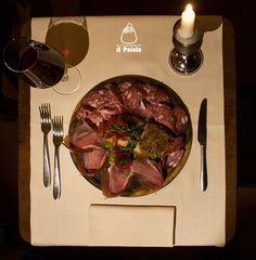 L'affettato misto Toscano con crostini.  Mixed sliced Tuscan salami with crostini.  Ristorante Il Paiolo