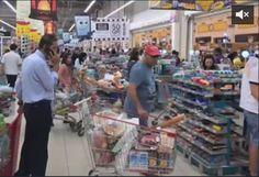 f982aafe6 هرع المواطنين في قطر الى المتاجر لتخزين المواد الغذائية بعد مقاطعة السعودية  لها - مستقل نيوز