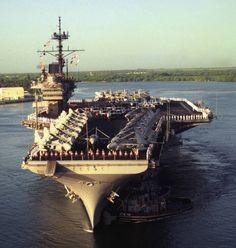 Us Sailors, Us Battleships, Navy Aircraft Carrier, Us Navy Ships, Navy Life, Us Marine Corps, United States Navy, Pearl Harbor, Royal Navy