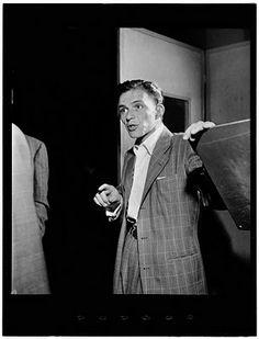 William Gottlieb - Frank Sinatra, Liedekrantz Hall, NY (c1947)