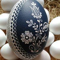 Pštrosí kraslice s ornamentem / Zboží prodejce ZS-relief Egg Decorating, Easter Eggs, Decorative Plates, Painting, Beautiful, Color, Wood, Eggs, Easter