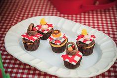 Festa tema Picnic para irmãos | Macetes de Mãe Bear Party, Mini Cupcakes, Party Themes, Party Ideas, Birthday Parties, Desserts, Food, Kids Part, Sweets