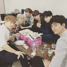 Jackson + 2PM ( Jackson everywere  )