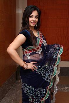 Beautiful Girl Indian, Most Beautiful Indian Actress, Beautiful Saree, Gorgeous Women, Beautiful Birds, Beauty Full Girl, Beauty Women, Saree Photoshoot, Indian Girls Images