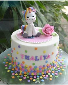 Cake with carrot and ham - Clean Eating Snacks Fondant Figures, Fondant Cakes, Cupcake Cakes, Unicorne Cake, Unicorn Birthday Parties, Birthday Cake, Pony Cake, Unicorn Cake Topper, Girl Cakes
