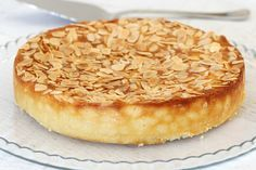 This Gluten-Free Lemon, Ricotta & Almond Cake is all kinds of delicious! Oh and it's super simple too!