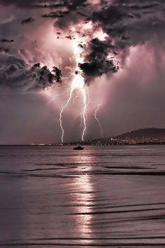 Lightning strike in pink sky Check out the website to see All Nature, Science And Nature, Amazing Nature, Pink Nature, Beautiful Sky, Beautiful World, Images Cools, Pretty Pictures, Cool Photos