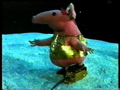 The Clangers. Another golden oldie from Oliver Postgate and Peter Firmin. 80s Kids Shows, Nostalgia 70s, Michael Palin, Theme Tunes, Rich Family, Kids Tv, Television Program, Stop Motion, Cartoon Kids