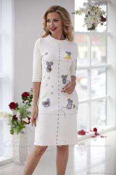 """Knitted white dress """"Charisma"""" with felted decor with charismatic mice and a cat Dress Outfits, Casual Outfits, Mini Vestidos, Knitwear Fashion, Winter Coats Women, Classy Dress, Beautiful Outfits, Ideias Fashion, Grunge"""