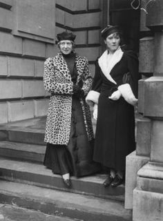 English painters Laura Knight & Doris Margaret Procter 1910s