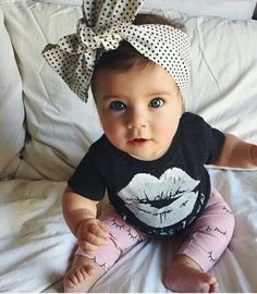 Resultado de imagem para baby girl