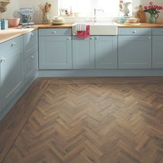 Introduce character and detail into your space with the Morning Oak Parquet from the Art Select Range at Pearson Floorings, approved suppliers of Karndean. Amtico Flooring Kitchen, Kardean Flooring, Cheap Laminate Flooring, Luxury Vinyl Flooring, Luxury Vinyl Plank, Flooring Ideas, Floor Edging, Kitchen Dining Living, Living Room
