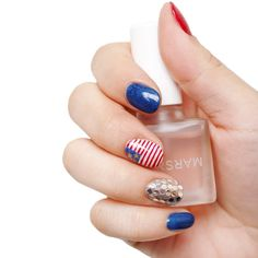 Learn this festive 4th of July nail art!