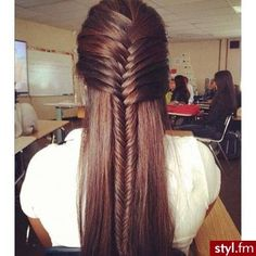 Fishtail braid, gotta learn how to do this! Who can do this for Zoe?