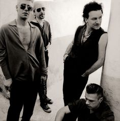 Anton Corbijn U2 Achtung Baby-The band in Morocco