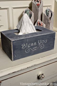 "DIY Kleenex box - would be great really antiqued and ""beat up""! Crafts To Make, Home Crafts, Diy Home Decor, Diy Crafts, Kleenex Box, Country Crafts, Country Decor, Wood Projects, Woodworking Projects"