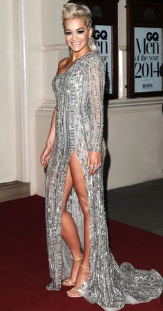 September 2 2014 at GQ Men of the Year Awards 2014 Rita Ora wore a Zuhair Murad Couture autumn/winter 2014 gown with Stuart Weitzman heels. Celebrity Gowns, Celebrity Red Carpet, Celebrity Outfits, Celebrity Style, Gq Awards, Zuhair Murad Dresses, Gq Men, Oscar Dresses, Red Carpet Gowns