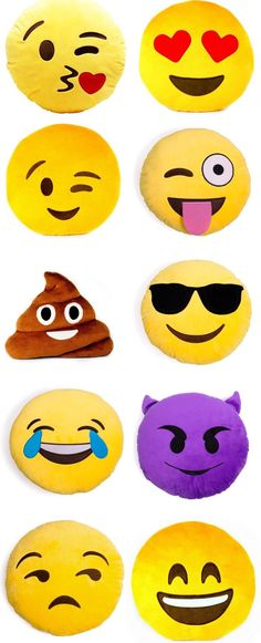 Smiley Emoji Pillows Who doesn't love emojis? I do and so do a lot of kids. These cute emoji pillows are excellent, they are soft, comical, bright and super fluffy. Emoji Love, Cute Emoji, Emoji Mignon, Emoji Craft, Smiley Emoji, Cute Pillows, Decorative Pillows, Diy And Crafts, Crafty
