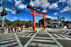 Kamakura Torii by zyryntyrah, via Flickr