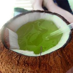 Fill a coconut with a blend of avocado and coconut water for a healthy post-work out drink. Beach Drinks, Fun Drinks, Yummy Drinks, Yummy Food, Beverages, Yummy Yummy, Delish, Alcoholic Drinks, Fun Cocktails