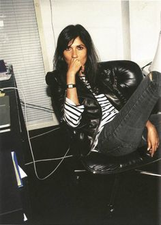 Having the right attitude is everything, says Emmanuelle AltYou can find Emmanuelle alt and more on our website.Having the right attitude is everything, says Emmanuelle Alt French Women Style, French Chic, Parisienne Chic, Emmanuelle Alt Style, Paris Mode, Student Fashion, Friend Outfits, Only Fashion, Fashion Editor