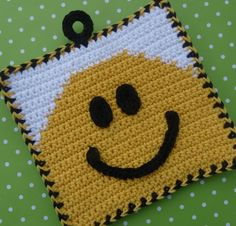 Smile! Potholder - Free Pattern. Potholder? This Smiley is purse bound! ¯\_(ツ)_/¯