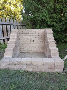 A fire pit ideas can be the centerpiece to a backyard landscape. Check out some of these cool fire pit ideas for your next backyard project. Diy Fire Pit, Fire Pit Backyard, Outside Fire Pits, Fire Pit Landscaping, Landscaping Ideas, Landscaping Shrubs, Fire Pit Furniture, Rustic Furniture, Antique Furniture