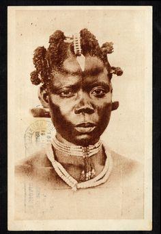 """""""Congo.- Coiffure d'une jeune fille"""" (""""Hair of a girl"""") circa 1920-1940"""